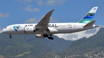A picture of FOLRC - Boeing 7878 Dreamliner - Air Austral - © Mickael