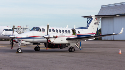 F-ZBGL - Beechcraft B300 King Air 350ER - France - Customs