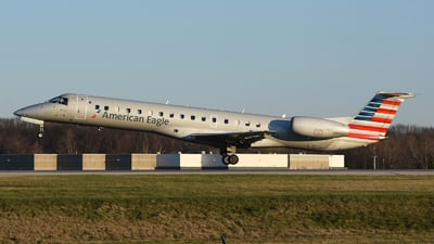 A picture of N942LL - Embraer ERJ145LR - American Airlines - © DJ Reed - OPShots Photo Team