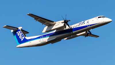 JA842A - Bombardier Dash 8-Q402 - ANA Wings