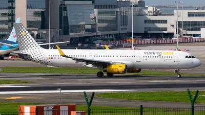 A picture of ECMJR - Airbus A321231 - Vueling - © Enrique Rubira
