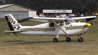 HA-SKR - Cessna 175C Skylark - Private