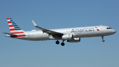 A picture of N133AN - Airbus A321231 - American Airlines - © Arno Vesterholm
