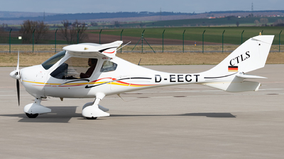 A picture of DEECT - Flight Design	CTLS - [F111108] - © Arne P.