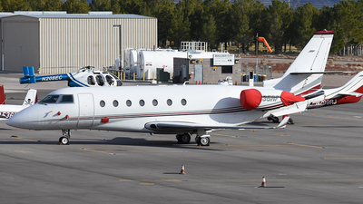N35RF - Gulfstream G200 - Private