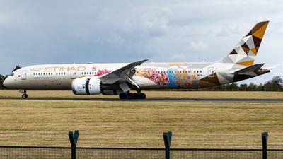A picture of A6BLJ - Boeing 7879 Dreamliner - Etihad Airways - © Jonathan L - Skies of Pearl