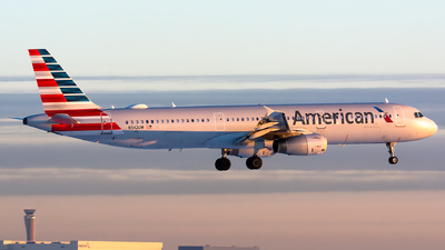 A picture of N542UW - Airbus A321231 - American Airlines - © Kevin Cargo