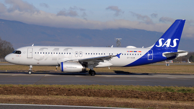 OY-KAM - Airbus A320-232 - Scandinavian Airlines (SAS)
