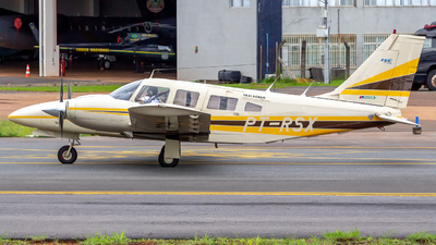 PT-RSX - Piper PA-34-220 Seneca III - Private