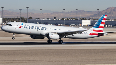 A picture of N546UW - Airbus A321231 - American Airlines - © David Lee