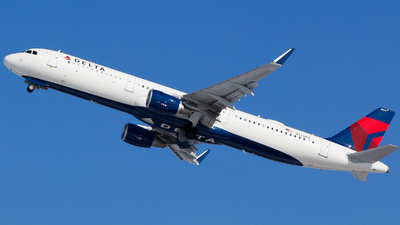 A picture of N374DX - Airbus A321211 - Delta Air Lines - © Alec Mollenhauer
