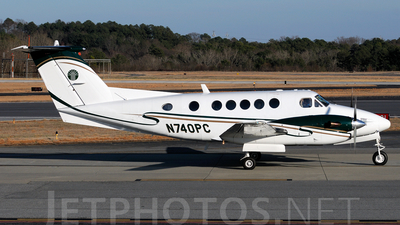 A picture of N740PC - Beech 300 Super King Air - [FA78] - © Agustin Anaya
