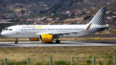 A picture of ECNAV - Airbus A320271N - Vueling - © J.M.Carballo