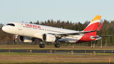 A picture of ECNER - Airbus A320251N - Iberia - © Adam Lanzen
