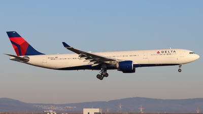 A picture of N811NW - Airbus A330323 - Delta Air Lines - © Justin Stöckel