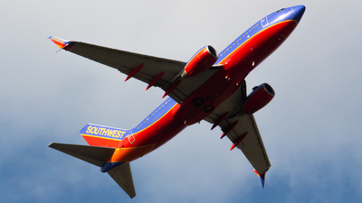 N272WN - Boeing 737-7H4 - Southwest Airlines