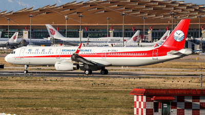 A picture of B304J - Airbus A321231 - Sichuan Airlines - © Sun Wenyuan
