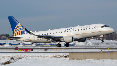 A picture of N87319 - Embraer E175LR - United Airlines - © Stephen J Stein