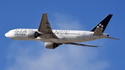 N78017 - Boeing 777-224(ER) - United Airlines