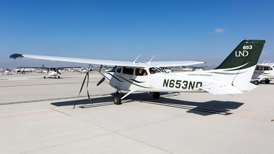 N653ND - Cessna 172S Skyhawk SP - University Of North Dakota