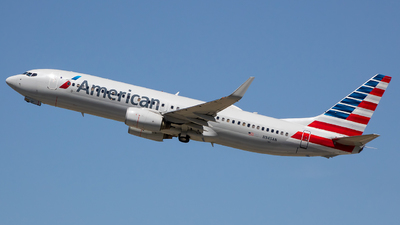 A picture of N945AN - Boeing 737823 - American Airlines - © Stephen J Stein