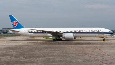 A picture of B20DM - Boeing 777300(ER) - China Southern Airlines - © Mr.Huang