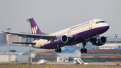 B-8102 - Airbus A320-214 - West Air
