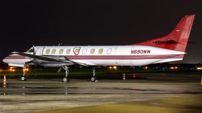 A picture of N690WW - Fairchild Swearingen Metroliner - Sioux Falls Aviation - © Dayon Wong