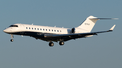 N711LS - Bombardier BD-700-1A11 Global 5000 - Private