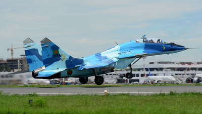 28264 - Mikoyan-Gurevich MiG-29UB Fulcrum - Bangladesh - Air Force