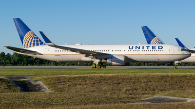 A picture of N667UA - Boeing 767322(ER) - United Airlines - © Positive Rate Photography