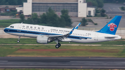 B-30F8 - Airbus A320-251N - China Southern Airlines