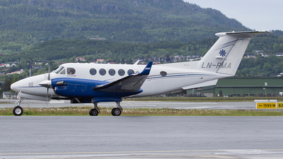 LN-RMA - Beechcraft 250 King Air - Rely AS