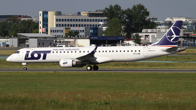 A picture of SPLND - Embraer E195LR - LOT - © Rafal Pruszkowski