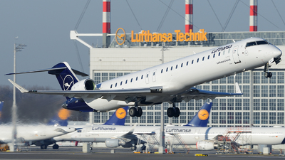 A picture of DACNT - Mitsubishi CRJ900LR - Lufthansa - © Benjamin Exenberger