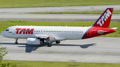 PR-MAZ - Airbus A320-232 - LATAM Brasil - Flightradar24