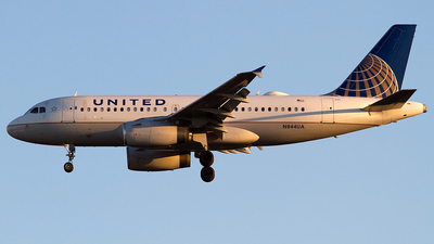 N844UA - Airbus A319-131 - United Airlines