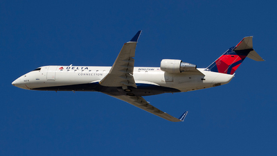 A picture of N907SW - Mitsubishi CRJ200LR - United Airlines - © Jeremy D. Dando