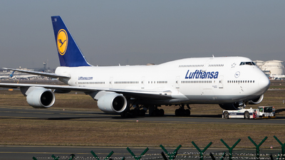 A picture of DABYJ - Boeing 747830 - Lufthansa - © Tim Donell