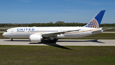 A picture of N26902 - Boeing 7878 Dreamliner - United Airlines - © Hugo Schwarzer