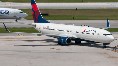 A picture of N3741S - Boeing 737832 - Delta Air Lines - © Mark Lawrence