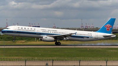 A picture of B6355 - Airbus A321231 - China Southern Airlines - © Snake_ZSAM