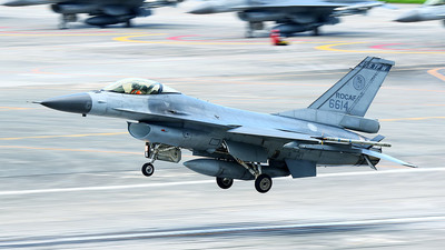6614 - General Dynamics F-16A Fighting Falcon - Taiwan - Air Force