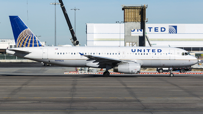N498UA - Airbus A320-232 - United Airlines