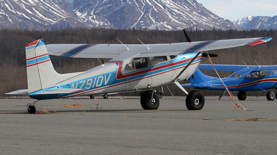 N7910V - Cessna 180H Skywagon - Private