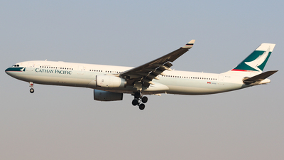 B-LAI - Airbus A330-343 - Cathay Pacific Airways