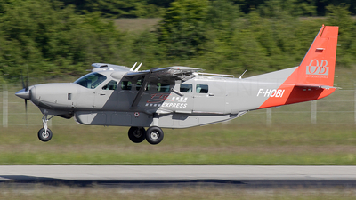 A picture of FHOBI - Cessna 208B Grand Caravan - [208B2148] - © Dominik Burger
