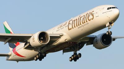 A6-ECG - Boeing 777-31HER - Emirates