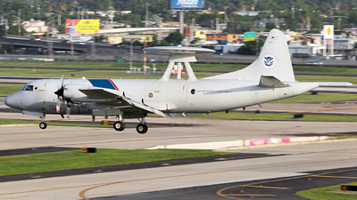 N144CS - Lockheed P-3B Orion - United States - US Department Of Homeland Security