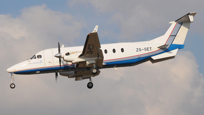 ZS-SET - Beech 1900D - Private